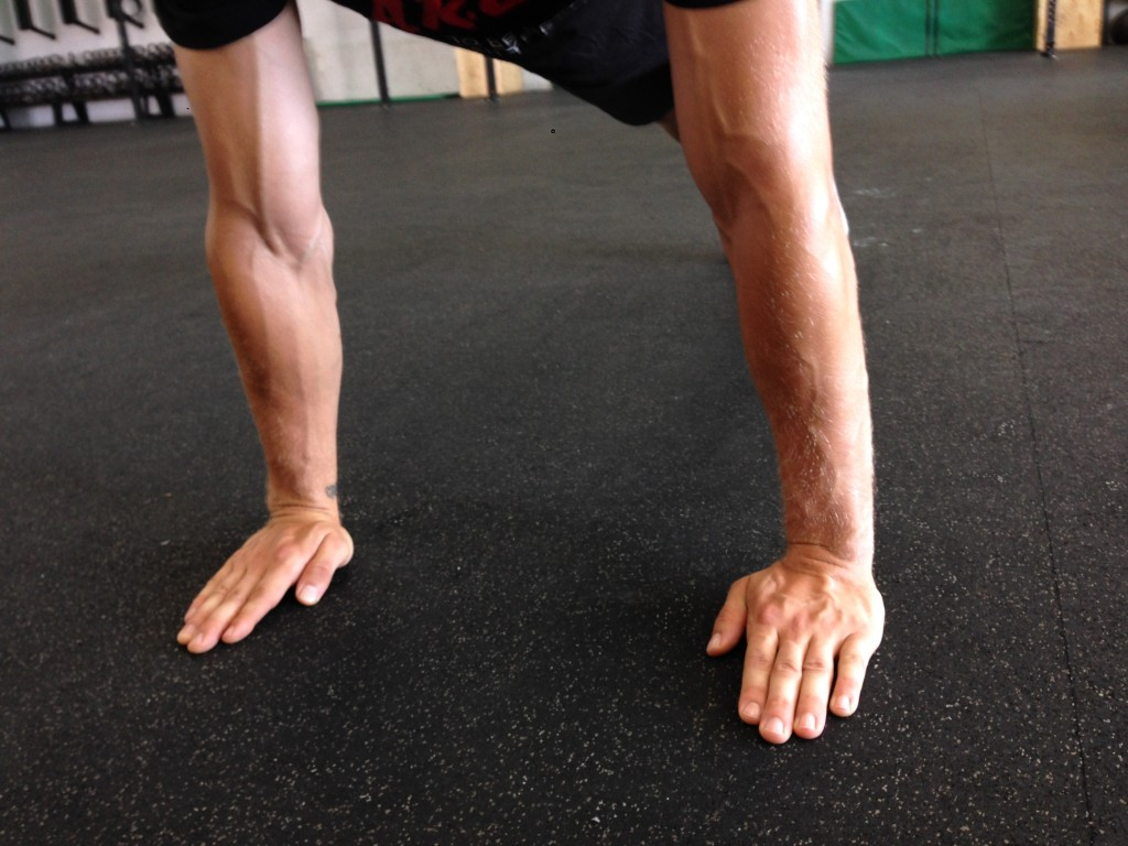 Example of great hand and finger spacing for floor exercises
