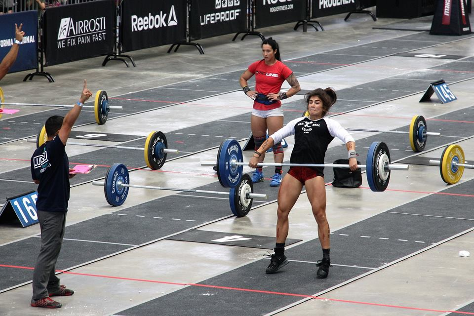 Lauren Snatching during Event One at 2016 CrossFit Regionals